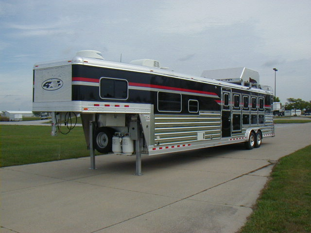4star_30629 1 5 horse model 24' x 7' 4 star trailers 4 star horse trailer wiring diagram at n-0.co