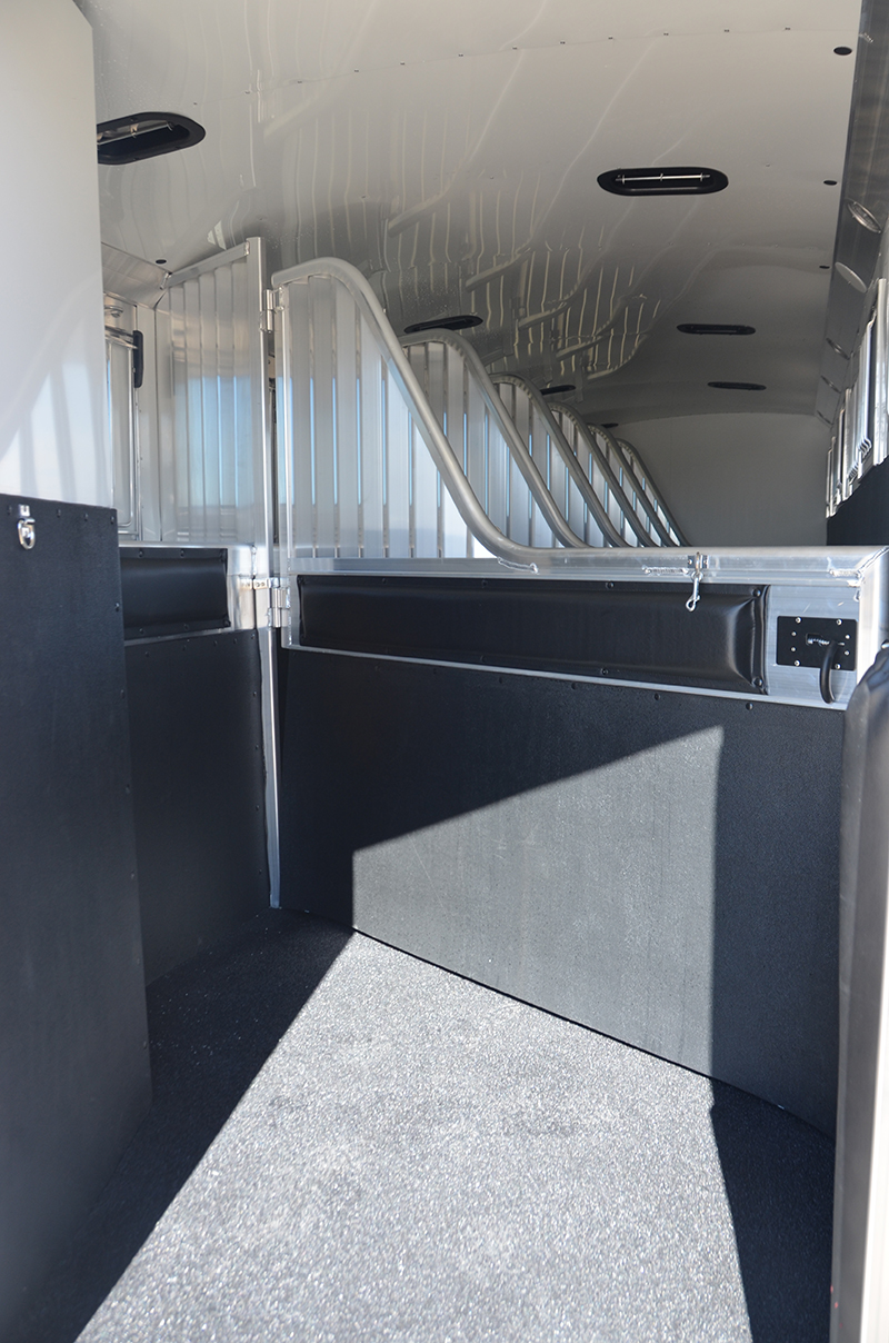 7 Horse Model 30 X 4 Star Trailers Blue Electric Brakes May Be Reversed To Suit Trailer With Different Needs And Interests So We Focus On Each Customer As An Individual Make Sure Customize Every Match The